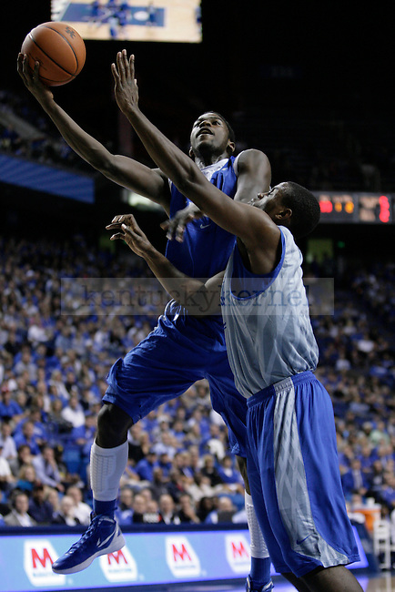 The UK basketball team plays the Blue-White Scrimmage at Rupp Arena Wednesday night, October 26, 2011.  Photo by Scott Hannigan