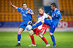 St Johnstone v Inverness Caledonian Thistle.....25.04.11.Richie Foran is closed down by Alan Maybury and Chris Millar.Picture by Graeme Hart..Copyright Perthshire Picture Agency.Tel: 01738 623350  Mobile: 07990 594431