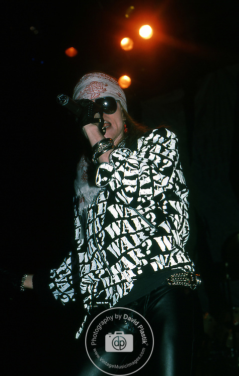 Guns-N-Roses-582.jpg