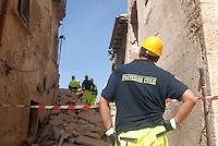 Protezione civile e pompieri. Civil  defence and firemen.