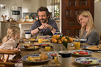 Home Again (2017) <br /> Reese Witherspoon &amp; Michael Sheen<br /> *Filmstill - Editorial Use Only*<br /> CAP/MFS<br /> Image supplied by Capital Pictures