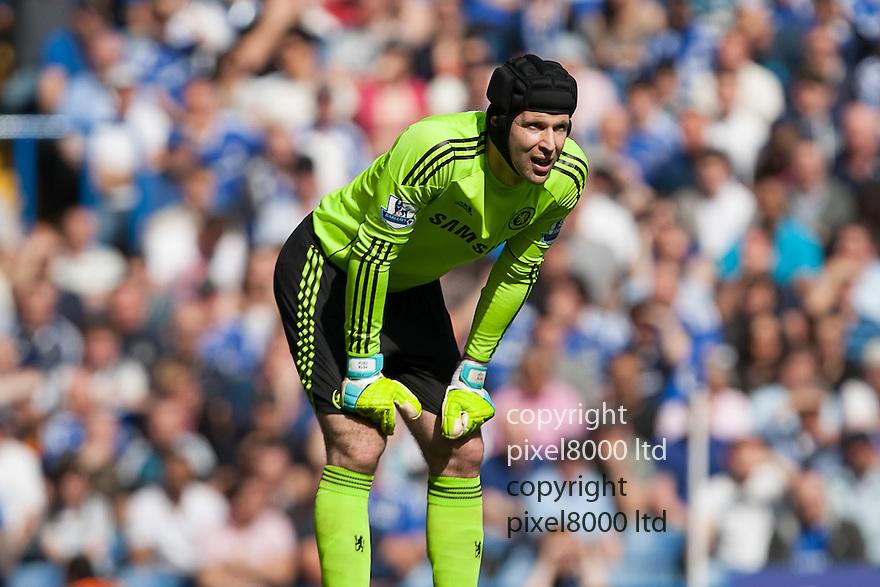 London, UK. Chelsea goalkeeper Petr Cech looks on during Barclays Premier League fixture Chelsea versus Tottenham Hotspur at Stamford Bridge 24 Mar.  Byline David Fearn Pixel 8000 Ltd