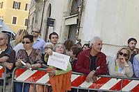 Roma, 18 Aprile 2013.Piazza Montecitorio.Proteste fuori del Parlamento durante la Votazione del Presidente della Repubblica..I giovani de PD e M5S contro la candidatura di Marini e per Stefano Rodotà