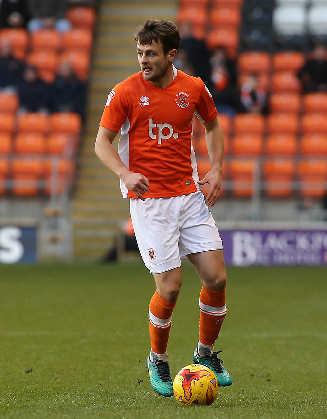 Blackpool's Andy Taylor in action during todays match  <br /> <br /> Photographer David Shipman/CameraSport<br /> <br /> The EFL Sky Bet League Two - Blackpool v Luton Town - Saturday 17th December 2016 - Bloomfield Road - Blackpool<br /> <br /> World Copyright &copy; 2016 CameraSport. All rights reserved. 43 Linden Ave. Countesthorpe. Leicester. England. LE8 5PG - Tel: +44 (0) 116 277 4147 - admin@camerasport.com - www.camerasport.com
