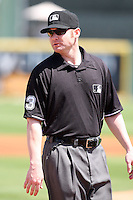 March 20, 2010:  Umpire Mike Estabrook during a Spring Training game at Roger Dean Stadium in Jupiter, FL.  Photo By Mike Janes/Four Seam Images