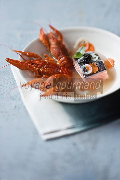 Nage d'écrevisses et Caviar d'Aquitaine  - recette de Christian Constant