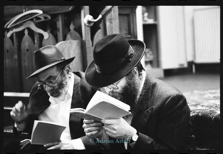 Rabbi Herschel Gluck,  Synagogue,   Stamford Hill  North London