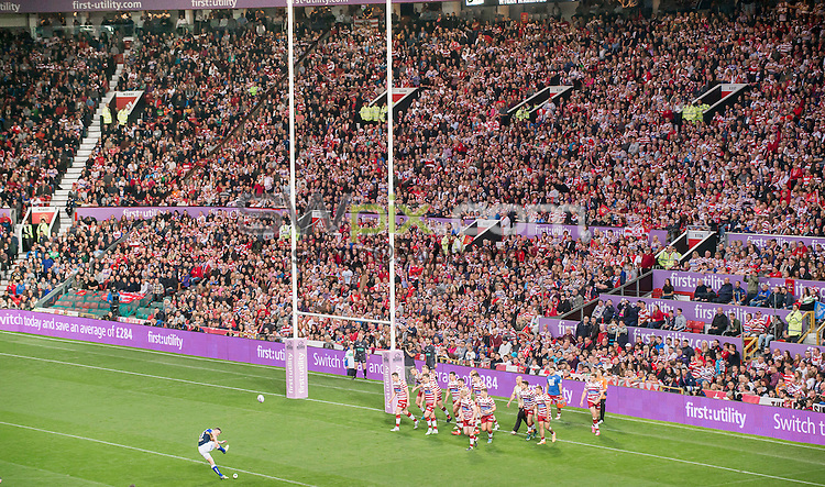 Picture by Allan McKenzie/SWpix.com - 10/10/2015 - Rugby League - First Utility Super League Grand Final - Leeds Rhinos v Wigan Warriors - Old Trafford, Manchester, England - General view, GV, fans, supporters, First Utility, branding.