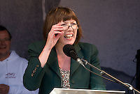 Frances O'Grady TUC Deputy General Secretary, reajusts her glasses .