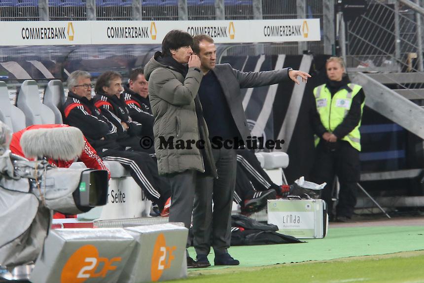 Bundestrainer Jogi Löw mit Co-Trainer Hansi Flick  - Deutschland vs. Polen, WM-Vorbereitung Testspiel, Imtech Arena Hamburg