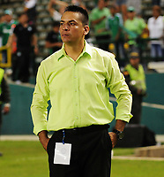 CALI - COLOMBIA - 22 - 04 - 2017:  Hector Cardenas, técnico de Deportivo Cali, durante partido de la fecha 14  entre Deportivo Cali y Atletico Junior, por la Liga Aguila I-2017, jugado en el estadio Deportivo Cali (Palmaseca) de la ciudad de Cali. / Hector Cardenas, coach of Deportivo Cali, during a match of the date 14   between Deportivo Cali and Atletico Junior, for the Liga Aguila I-2017 at the Deportivo Cali (Palmaseca) stadium in Cali city. Photo: VizzorImage  / Nelson Rios / Cont.