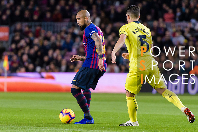 Arturo Vidal of FC Barcelona (L) in action during the La Liga 2018-19 match between FC Barcelona and Villarreal at Camp Nou on 02 December 2018 in Barcelona, Spain. Photo by Vicens Gimenez / Power Sport Images