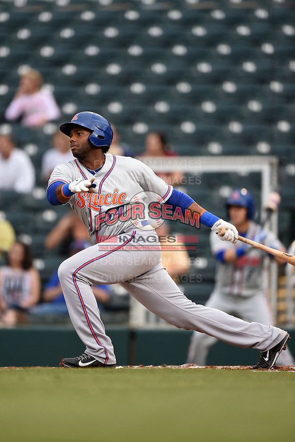 St. Lucie Mets third baseman Aderlin Rodriguez (34) during a game against the Fort Myers Miracle on April 18, 2014 at Hammond Stadium in Fort Myers, Florida.  St. Lucie defeated Fort Myers 15-9.  (Mike Janes/Four Seam Images)