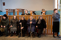 Ksaverivka, Ukraine, 26/12/2004..The third and final round of Ukraine's disputed Presidential election. Pensioners await a special bus after voting in the village school.