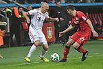 12.01.2018, BayArena, Leverkusen , GER, 1.FBL., Bayer 04 Leverkusen vs. FC Bayern M&uuml;nchen<br /> im Bild / picture shows: <br /> Arjen Robben (Bayern Muenchen #10),  im Zweikampf gegen  Dominik Kohr (Leverkusen #21), <br /> <br /> <br /> Foto &copy; nordphoto / Meuter
