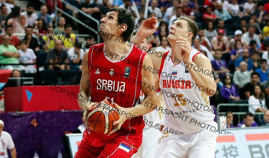 Boban Marjanovic Timofey Mozgov European basketball championship, Evropsko prvenstvo u kosraci Eurobasket Rusija - Srbija, Russia - Serbia 02.9.2017. Istanbul, Turska, 2. Septembar 2017. (credit image & photo: Pedja Milosavljevic / STARSPORT)