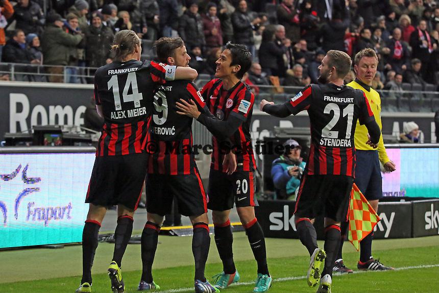 Torjubel um Haris Seferovic (Eintracht beim 2:1 - Eintracht Frankfurt vs. SV Werder Bremen, Commerzbank Arena