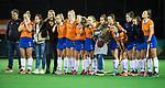 BLOEMENDAAL  - Hockey -  finale KNHB Gold Cup dames, Bloemendaal-HDM . Bloemendaal wint na shoot outs. spanning bij de shoot outs.  COPYRIGHT KOEN SUYK