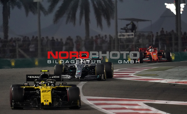 01.12.2019, Yas Marina Circuit, Abu Dhabi, FORMULA 1 ETIHAD AIRWAYS ABU DHABI GRAND PRIX 2019<br />, im Bild<br />Nico Hülkenberg (GER#27), Renault F1 Team, Valtteri Bottas (FIN#77), Mercedes-AMG Petronas Motorsport, Sebastian Vettel (GER#5), Scuderia Ferrari Mission Winnow<br /> <br /> Foto © nordphoto / Bratic