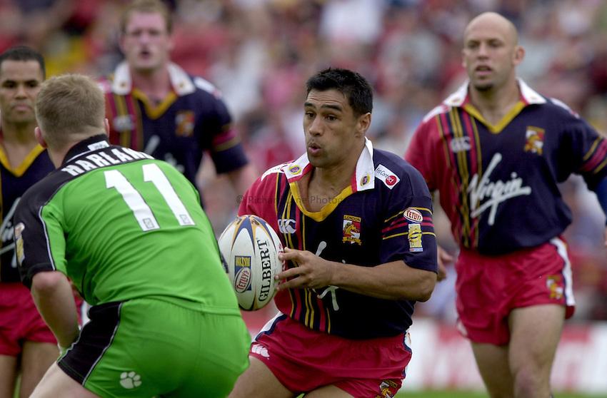 Photo. Richard Lane. .Tetley's Super League. london Bronco's v Castleford Tigers 28./7/2001.Richie Barnett