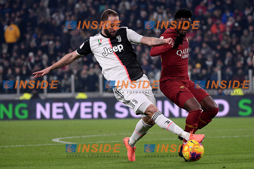 Gonzalo Higuain of Juventus , Amadou Diawara of AS Roma <br /> Torino 22/01/2020 Juventus Stadium <br /> Football Italy Cup 2019/2020 <br /> Juventus FC - AS Roma <br /> Photo Federico Tardito / Insidefoto