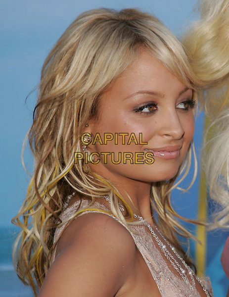 NICOLE RICHIE .The 2004 Teen Choice Awards held at The Universal Ampitheatre in Universal City, California .August 8, 2004.headshot, portrait.www.capitalpictures.com.sales@capitalpictures.com.Supplied By Capital Pictures