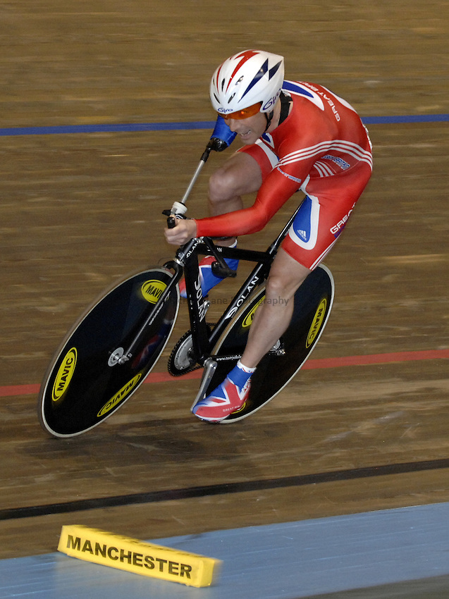 Photo: Richard Lane..VISA Paralympic World Cup 2007. Track Cycling. 11/05/2007. .Gary Williams of Great Britain in the pursuit Final, male.