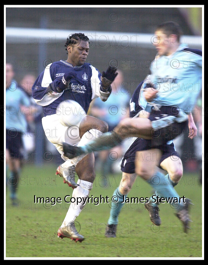 01/02/2003                   Copyright Pic : James Stewart.File Name : stewart-falkirk v st john 19.GRANT MURRAY CLEARS FROM COLLIN SAMUEL....James Stewart Photo Agency, 19 Carronlea Drive, Falkirk. FK2 8DN      Vat Reg No. 607 6932 25.Office     : +44 (0)1324 570906     .Mobile  : +44 (0)7721 416997.Fax         :  +44 (0)1324 570906.E-mail  :  jim@jspa.co.uk.If you require further information then contact Jim Stewart on any of the numbers above.........