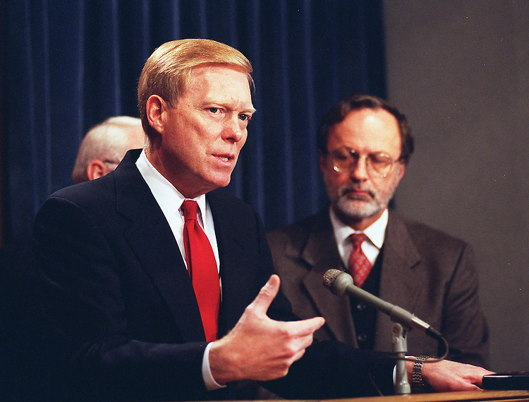 11/13/97.GEPHARDT:Minority Leader Richard A. Gephardt,D-Mo., and Minority Whip David E. Bonior,D-Mich., hold a press conference on the adjournment of the first session of the 105th Congress and future goals..CONGRESSIONAL QUARTERLY PHOTO BY DOUGLAS GRAHAM  ..