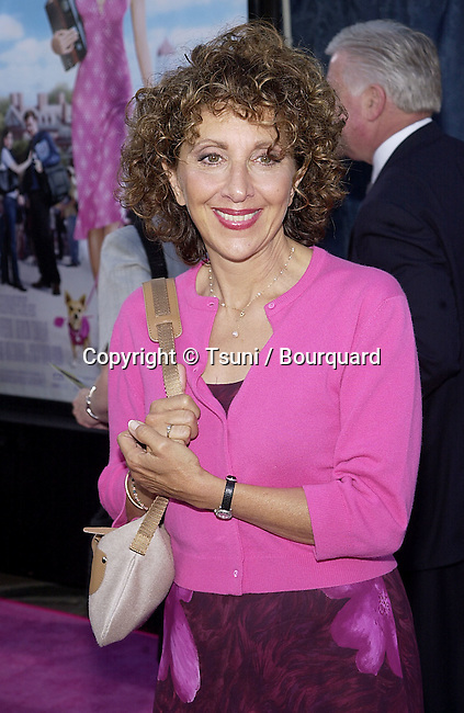 Andrea Martin - Second City TV - arriving at the premiere of Legally Blonde  at the Westwood Village Theatre in Los Angeles. June 26, 2001  © Tsuni          -            MartinAndrea_SCTV01.jpg