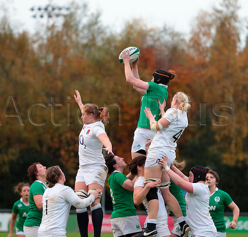 13.11.2016. UCD Bowl, Dublin, Ireland. November Series. Ireland Women versus England.<br /> Maire-Louise Reilly (Ireland) gathers the lineout ball.