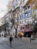 Wohnanlage Hundertwasserhaus Kegelgasse 34-38/L&ouml;engasse in Wien, &Ouml;sterreich<br /> Block of flats Hundertwasserhaus, Kegelgasse 34-38/L&ouml;wengasse, , Vienna, Austria