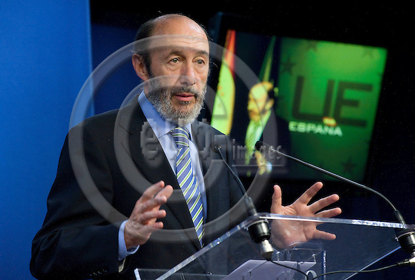 Brussels-Belgium - May 25,  2009 -- Alfredo Pérez (Perez) RUBALCABA, Minister of the Interior / Home Affairs of Spain, in the Spanish briefing room of the EU-Council -- Photo: Horst Wagner / eup-images