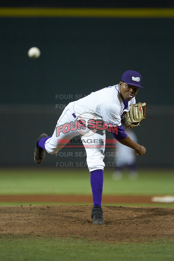 Winston-Salem Dash relief pitcher Luis Ledo (39) delivers a pitch to the plate against the Lynchburg Hillcats at BB&T Ballpark on May 9, 2019 in Winston-Salem, North Carolina. The Dash defeated the Hillcats 4-1. (Brian Westerholt/Four Seam Images)