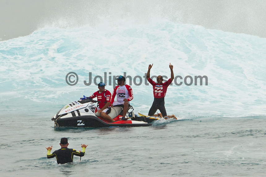 Teahupoo, Tahiti Iti, French Polynesia.  (Monday, August 29, 2011) - The final day of the Billabong Pro Tahiti presented by Air Tahiti Nui, Event No. 5 of 11 on the 2011 ASP World Title season, was won today by the current World Champion Kelly Slater (USA) who defeated Owen Wright (AUS) in the final. It was Slaters 47 elite tour victory and Wrights first ever final. Slater has now won the Billabong Pro Tahiti three times and also won here when it was the Gotcha Pro . Photo: joliphotos.com