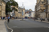 UK, England, Oxford.  High Street Scene.