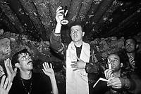 Stolac / Mostar / Bosnia Erzegovina 8/1993<br /> Soldati croati partecipano ad una funzione religiosa al riparo di un bunker prima di andare all'attacco delle postazioni dell'esercito federale. La cittadina di Stolac nei pressi di Mostar è tuttora una roccaforte degli ultranazionalisti croati.<br /> Croatian soldiers participating in a religious function in a shelter before going on the attack of the Federal army positions. The town of Stolac near Mostar is still a stronghold of the ultra-nationalist Croats <br /> Photo Livio Senigalliesi