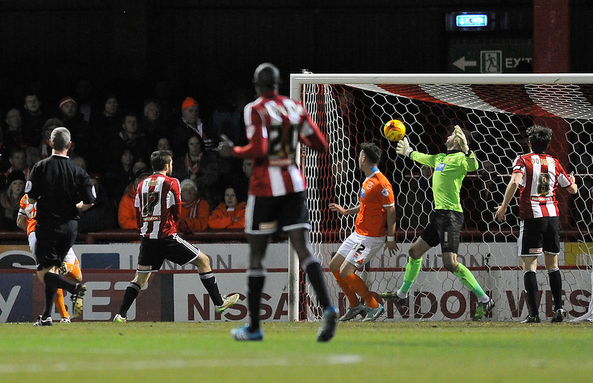 Brentford's Jon Toral scores his sides second goal <br /> <br /> Photographer Ashley Western/CameraSport<br /> <br /> Football - The Football League Sky Bet League One - Brentford v Blackpool - Tuesday 24th February 2015 - Griffin Park - London<br /> <br /> &copy; CameraSport - 43 Linden Ave. Countesthorpe. Leicester. England. LE8 5PG - Tel: +44 (0) 116 277 4147 - admin@camerasport.com - www.camerasport.com