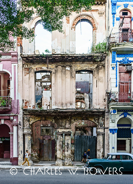 Everyday Cuba and hints of bygone days<br /> <br /> -Limited Edition of 50 prints.