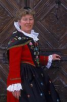 Europe/Suisse/Engadine/St-Moriz: Le musée de l'Engadine - Sylvia Fasser en costume traditionnel