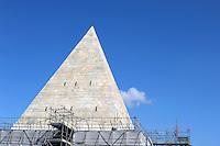 Piramide di Caio Cestio.