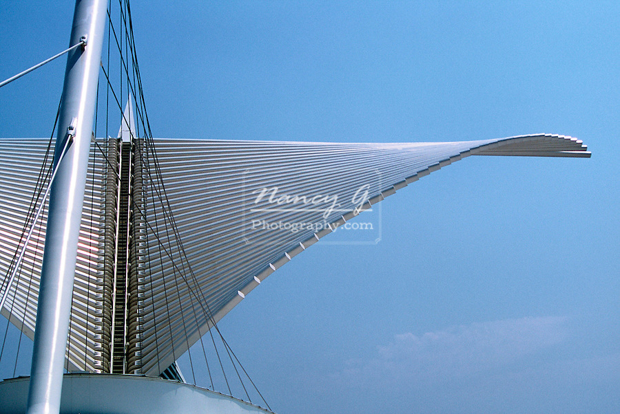 The Milwaukee Cavatrava Art Museum looking over Lake Michigan.