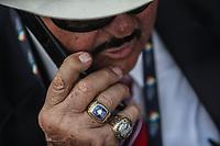 Mike Brito buscador de talentos de Grandes Ligas del Beisbol habla por celular. Anillo de campeon de la Serie Mundial del Beisbol. <br /> Aspectos del partido Mexico vs Italia, durante Cl&aacute;sico Mundial de Beisbol en el Estadio de Charros de Jalisco.<br /> Guadalajara Jalisco a 9 Marzo 2017 <br /> Luis Gutierrez/NortePhoto.com