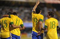 ATENCAO EDITOR IMAGEM EMBARGADA PARA VEICULOS INTERNACIONAIS - BUENOS AIRES, ARGENTINA, 21 NOVEMBRO 2012 - Fred do Brasil comemora seu gol durante lance de partida contra a seleção da Argentina, válida pelo Superclássico das Américas, no Estádio La Bombonera, em Buenos Aires, na Argentina, nesta quarta-feira, 21. (FOTO: JUANI RONCORONI / BRAZIL PHOTO PRESS).
