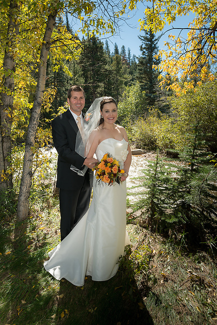 wedding of Valerie and Greg at Romantic Riversong in Estes Park, Colorado, USA