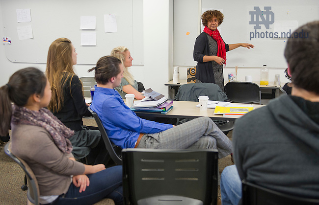 Feb. 25, 2015; Arts & Letters classroom photography with Anne Berry. (Photo by Barbara Johnston/University of Notre Dame)