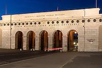 Burgtor am Burgring, Wien, Österreich, UNESCO-Weltkulturerbe<br /> Castle gate at Burgring, Vienna, Austria, world heritage