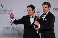 NEW YORK, NY 21.11.2016 - EMMY-2016 -   Matthias Bittner e Paul Zischle durante tapete vermelho do Emmy Internacional 2016 prêmio dos melhores atores e novelas da TV, em Nova York, nos Estados Unidos na noite desta segunda-feira, 21. (Foto: Vanessa Carvalho/Brazil Photo Press)