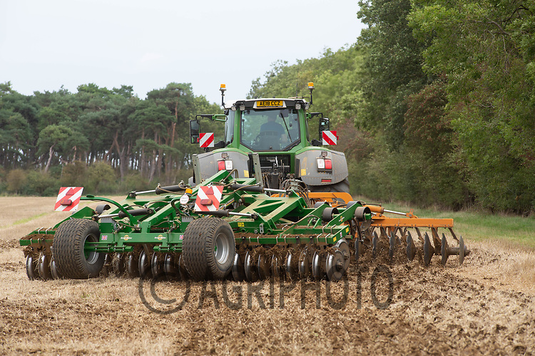 7.9.2020 Cultivating Barley Stubble in Lincolnshire <br /> ©Tim Scrivener Photographer 07850 303986<br />      ....Covering Agriculture In The UK.
