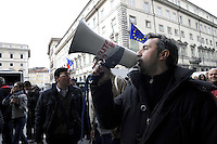 Roma, 27 Novembre 2009.Piazza Colonna .Manifestazione delle lavoratrici e dei lavoratori ex Eutelia senza stipendio da 6 mesi .Rome, November 27, 2009.Piazza Colonna.Demonstration of workers  Eutelia without pay for 6 months